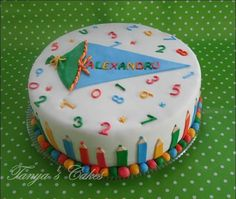 Cake with a school bag - Kuchen - # Baking Recipes For Kids, Dinner Recipes For Kids, Kids Meals, Box Cake Recipes, Cupcake Recipes, Decoration Restaurant, School Cake, Naked Cakes, Diy Cake