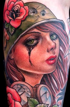 Incredible tattoo by Crispy Lennox Incredible Tattoos, Great Tattoos, Beautiful Tattoos, Beautiful Body, Awesome Tattoos, Note Tattoo, I Tattoo, Wicked Tattoos, Military Tattoos
