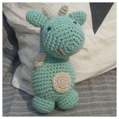 Jirafa crochet verde