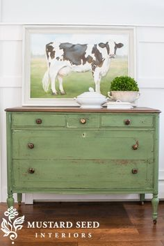 Ideas For Refinishing Furniture With Chalk Paint Dressers Miss Mustard Seeds Chalk Paint Furniture, Furniture Projects, Furniture Makeover, Diy Furniture, Green Painted Furniture, Furniture Plans, Bedroom Furniture, Modern Furniture, Furniture Design