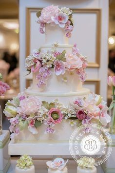 Floral wedding cake by Bobbette and Belle