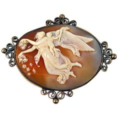 - Cameo Brooch 585 Shell Winged Nymph Cherub Of Marriage Vienna Circa 1870 High Victorian Gold Gold Brooches, Vintage Brooches, Little Cherubs, Cameo Jewelry, Victorian Gold, Antique Earrings, Love Symbols, Stone Cuts, Nymph