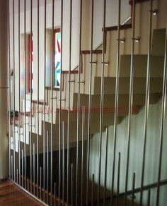 Perete Trafor cu traverse verticale principale si traverse verticale intercalate. Balustrade din inox pe www.inoxconstanta.ro  #balustradeinox #inoxconstanta Balustrade Inox