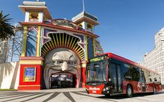 Conheça um pouco mais sobre o transporte público em Melbourne - a cidade que tem mais bonde elétrico do que Amsterdã na Holanda!