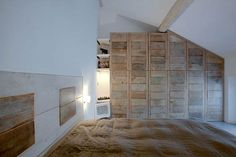 Bedroom recycling-woods made by Costanza Algranti Armoire, Recycling, New Homes, Flooring, Bedroom, Costanza, Projects, Inspiration, Furniture