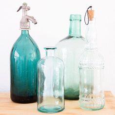 Mijn blog al gelezen over oa deze flessenverzameling? #linkinbio #vintage #woonguide Oa, Vintage Soul, Bottle, Instagram, Home Decor, Decoration Home, Room Decor, Flask, Home Interior Design