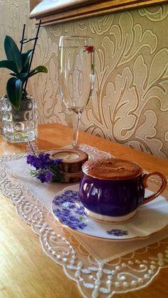 Coffee Milk, Coffee Latte, Coffee Set, Coffee Drinks, Coffee Cups, Tea Cups, Chocolates, Breakfast Tea, Turkish Coffee