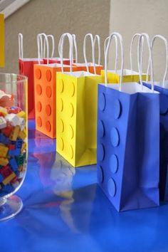 DIY Lego Gift Bags - #diy #birthday #giftgiving - http://alittlebitofthisthatandeverything.blogspot.com/