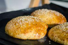 Parmasan Burger Buns ~ Mangiare squisito ~ Foodblog Burger Buns, I Foods, Hamburger, Bread, Manga, Brot, Manga Anime, Manga Comics, Baking