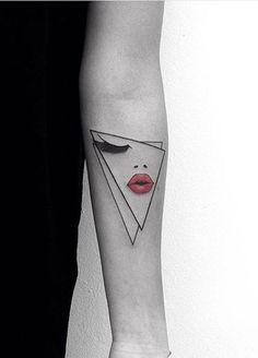 Simple, yet original & super, hyper creative! Makeup Tattoos, Body Art Tattoos, New Tattoos, Small Tattoos, Piercing Tattoo, Ear Piercings, Mouth Tattoo, First Tattoo, Tattoo Inspiration