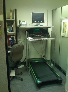 Treadmill desk - Wikipedia, the free encyclopedia Diy Projects To Try, Home Projects, Corporate Wellness Programs, Treadmill Desk, Garage Room, Ball Chair, Workout Machines, Diy Desk, Drafting Desk