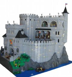 Silver Lake Fortress MOC #lego  I dream of building stuff like this