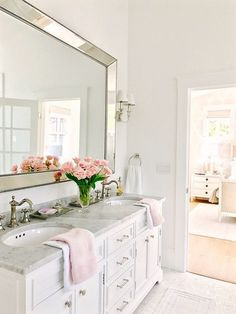 Blush accents from HomeGoods inspire Spring in the bathroom. (Sponsored)// light and airy bathroom, natural light, clean neutral colors, bathroom inspiration Chic Bathrooms, Dream Bathrooms, Beautiful Bathrooms, Master Bathrooms, Light Grey Bathrooms, Luxury Bathrooms, Bad Inspiration, Bathroom Inspiration, Bathroom Inspo