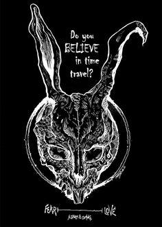 Crees en el viaje en el tiempo? Donnie Darko Tattoo, Memories Of Murder, Poster Photo, Photo Deco, Tattoo Portfolio, Alice Madness, Rabbit Art, Pencil And Paper, Alternative Movie Posters