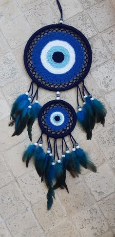 Making Dream Catchers, Dream Catcher Craft, Dream Catcher White, Crochet Dreamcatcher Pattern, Crochet Mandala, Free Crochet Square, Knitting Room, Evil Eye Art, Crochet Table Runner Pattern