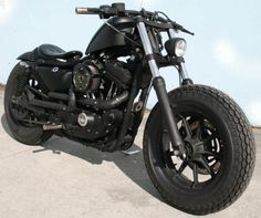 2003 Harley Davidson Iron 883. Oh god that's hot, I need this!!