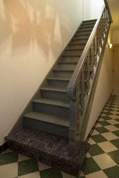 Trappen on pinterest stairs painted stairs and staircases - Corridor schilderen ...