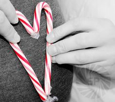 candy cane maternity photo blue for boy pink for girl! Christmas Pregnancy Photos, Cute Pregnancy Photos, Winter Maternity Photos, Maternity Pictures, Christmas Maternity, Winter Pregnancy, Maternity Shoots, Christmas Baby, Christmas Pictures