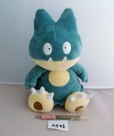 Takara Tomy Pokemon Munchlax Mampfaxo Goinfrex AG Plush Doll.with the bonus item
