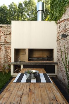 If you have the space in your yard, check out the outdoor kitchen ideas total wi. - If you have the space in your yard, check out the outdoor kitchen ideas total with bars, seating ar - Patio Bar, Backyard Patio, Outdoor Kitchen Bars, Outdoor Kitchen Design, Outdoor Kitchens, Kitchen Modern, Parrilla Exterior, Outdoor Barbeque, Brick Bbq