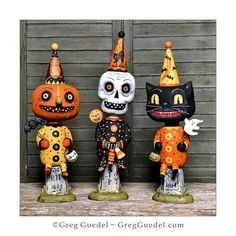 Three Little Spooks ~ Halloween carvings by Greg Guedel. Halloween Clay, Halloween Doodle, Retro Halloween, Halloween Painting, Halloween Items, Diy Halloween Decorations, Holidays Halloween, Halloween Crafts, Beistle Halloween