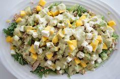 Quinoasalatene mine har virkelig blitt populære, og mange skriver at det er første gangen de smaker og bruker quinoa. Derfor tenkte jeg å introdusere dere for en enda et spennende alternativ til ris og pasta! Oppskriften under er en deeeeeilig byggrynssalat, men først litt om bygg! Bygg er en kornsort proppfull av næring! Blant annet …