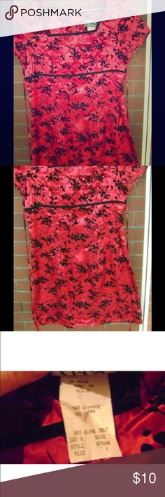 City Triangles asian inspired red & Black dress City Triangles red Floral Mini Dress Size 7 (feels slightly smaller) wore this maybe twice for holiday formal.  Sexy silky Asian inspired red floral maxi dress. tie back. Excellent condition. City Triangles Dresses