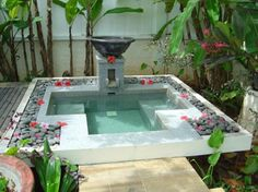 luxury homes  Whirlpool tubs for outside