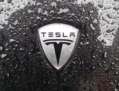 "Tesla wants to sell electric cars with ""auto-pilot"" within 3 years, says Elon Musk Tesla Logo, Tesla S, Tesla Motors, Solar City, Tesla Roadster, Network For Good, 3rd Wheel, Car Logos, Car Wallpapers"