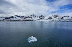 An icy Arctic adventure – Longyearbyen to Barentsburg by boat