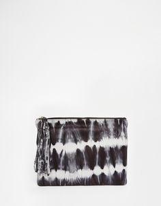 Pochette en cuir effet tie-dye avec fermeture éclair sur le dessus - 48,99€