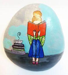 ☆ Doğal deniz taşı ☆ kitap okuyan kadın figügü ☆ Akrilik boya ☆ Genişlik : 9 cm (en geniş alan) ☆ Uzunluk: 10 cm (en uzun alan) ☆ Yükseklik: 3,5 cm (en yüksek alan)  #farklıboyutlardacizilebilir . . . . . . . . . . . . . . . . . . . . . . . . . . . . . . #tas #taş #tablo #pano #taştablo  #tasboyama #taşboyama #table  #artofstone #handmade #paintedstone #paintingrock #tasarim #yaratici #nehediyealsam #dekorasyon #sanat #art #hediye #workshop #elyapimi #stone #ürün #followme #objektifimden…