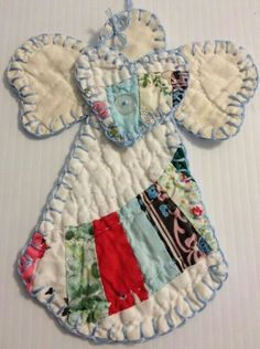 Top Diy Wall Organizer Ideas Quilten Top Diy Wall Organizer Ideas For Begginers Old Quilts, Vintage Quilts, Fabric Crafts, Sewing Crafts, Quilted Ornaments, Angel Ornaments, Ornaments Ideas, Wall Ornaments, Angel Crafts