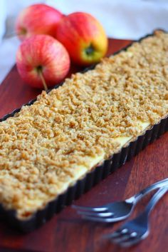 Suklaapossu: Omenapiirakka rahkatäytteellä ja kauramurulla Sweet Pastries, Sweet Pie, Pie Recipes, Sweet Tooth, Sweets, Bread, Apple, Baking, Fruit