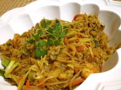 Copycat P. Chang's Singapore Street Noodles Copycat P. Changs Singapore Street Noodles Recipe - - can make healthy with a few small changes Singapore Street Noodles Recipe, Singapore Noodles Chicken, Asian Recipes, Healthy Recipes, Ethnic Recipes, Restaurant Recipes, Dinner Recipes, Dinner Ideas, I Love Food