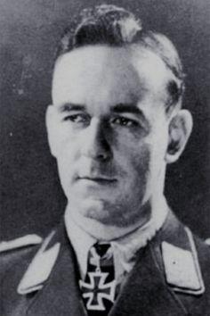 Hauptmann Günther Fink (1918-1943), Ritterkreuz 14.03.1943 als Oberleutnant und Staffelkapitän 8./Jagdgeschwader 54 ✠ 46 Luftsiege. Wird seit dem 15 Mai 1943 nach einem Einsatz gegen viermotorige Bomber südlich Helgoland vermisst.