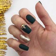 30 Graduation Nails Designs To Feel Like A Queen: Manicure With Stunning Crystals Xmas Nails, Holiday Nails, Halloween Nails, Christmas Nails, Simple Nail Designs, Nail Art Designs, Graduation Nails, Nagel Hacks, Nail Effects