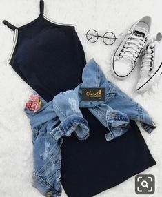 Outfits como chamarra de mezclilla…👗👑 - Oven Tutorial and Ideas Teenage Outfits, Teen Fashion Outfits, Cute Fashion, Outfits For Teens, Girl Outfits, Dress Fashion, Swag Fashion, Travel Outfits, College Outfits