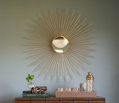 DIY Living Room Decor Ideas - DIY Sunburst Mirror - Cool Modern, Rustic and Creative Home Decor - Coffee Tables, Wall Art, Rugs, Pillows and Chairs. Step by Step Tutorials and Instructions Diy Living Room Decor, Wall Decor, Home Decor, Wall Art, Diy Instagram, Mirror Ornaments, Wooden Wagon, Sunburst Mirror, Mid Century Modern Decor