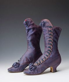 Vintage Shoes A pair of beautiful boots which once belonged to Empress Maria Feodorovna of Russia, 1880 - Victorian Shoes, Victorian Fashion, Vintage Fashion, Victorian History, 1930s Fashion, Vintage Outfits, Vintage Boots, Vintage Purses, Viktorianischer Steampunk