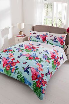 Available in duvet sets (single with 1 pillowcase, double, king size with 2 pillowcases). Bird Design, Duvet Sets, King Size, Free Delivery, Beautiful Homes, Comforters, Pillow Cases, Household, Blanket