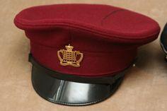 Royal Gloucestershire Hussars No. 1 Dress Cap Made by Compton Webb (Headdress) Ltd. Size: 58 1960s Crimson wool. Brass badge. Synthetic leather sweatband.