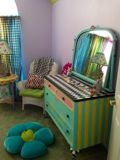 Conceiving Piper: The Nursery Tracey's Fancy Dresser/Mirror & Chest of Drawers