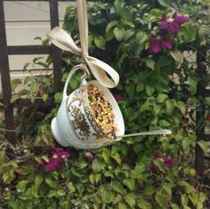 Pretty vintage fine china teacup and vintage teaspoon up-cycled bird feeder. As featured in the harrogate Autumn flower show White china Garden Crafts, Garden Projects, Garden Art, Teacup Crafts, Diy Bird Feeder, Teacup Bird Feeders, Bird House Feeder, Vintage Birds, Vintage Teacups