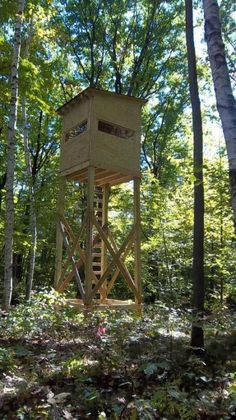 Please post pictures of your elevated deer stand (not ladder stands) here. Look. - Please post pictures of your elevated deer stand (not ladder stands) here. Looking for ideas on ho - Deer Hunting Tips, Deer Hunting Blinds, Coyote Hunting, Archery Hunting, Pheasant Hunting, Hunting Stuff, Archery Range, Tower Deer Stands, Ladder Stands