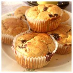 De här muffinsen har jag gjort helt utan tillsatt socker och med ingredienser som går att få tag i överallt. Jag låter bananerna och blåbären själva stå för sötningen. Vill man ha det lite sötare k...