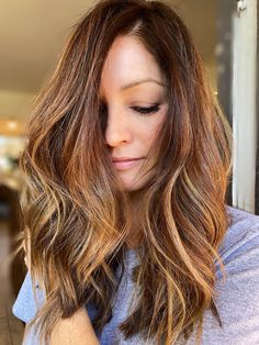 Dimensional balayage with ribbons of light and dark Light In The Dark, Ribbons, Salons, Long Hair Styles, Beauty, Beleza, Bias Tape, Lounges, Grinding