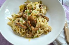 Tagliatelle de casa cu hribi sau alte ciuperci | Savori Urbane Spaghetti, Pizza, Vegan, Ethnic Recipes, Kitchen, Food, Drinks, Recipes, Lasagna