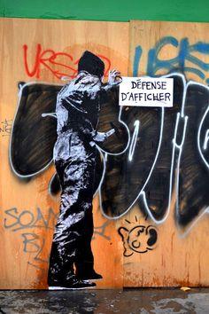 LEVALET - site en migration: www. Graffiti Art, Photographie Street Art, Street Mural, Street Art Photography, People Art, Street Signs, Land Art, French Artists, Banksy