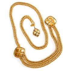 Chanel oro catena cintura trapuntata Charms Design Vintage catena oro... ($365) ❤ liked on Polyvore featuring jewelry, chanel, curiopolis, necklaces, charm jewelry, chanel jewellery, chanel charms and vintage jewelry